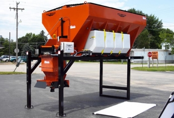 EV100 STOCK V-BOX SPREADER Preview Image
